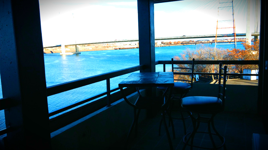 Captain Suite Kennewick waterfront hotel